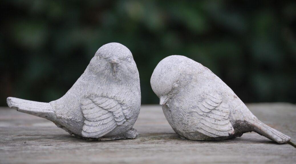 Vögel als Dekofiguren